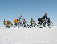 Dreirad Rebekka, Florian and their son Chan cycle from Vancouver to Patagonia.