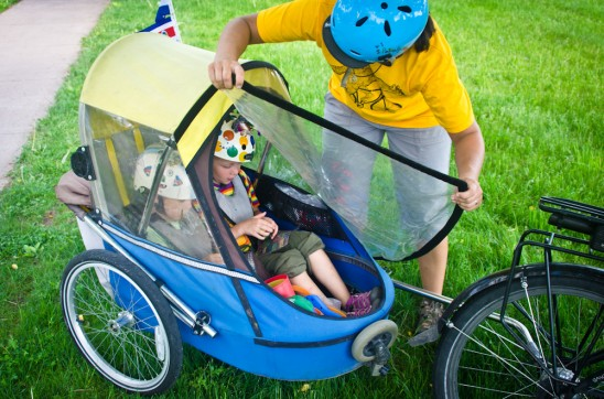 May 23 2012 DSC 9028 548x362 A Playroom on Wheels: Our Wike Moonlite Child Trailer
